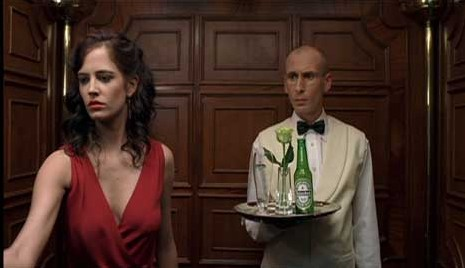Heineken placement in James Bond movie